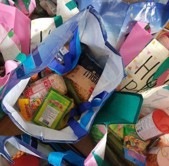 Lebensmitteltaschen für geflüchtete Frauen in Bad Pyrmont