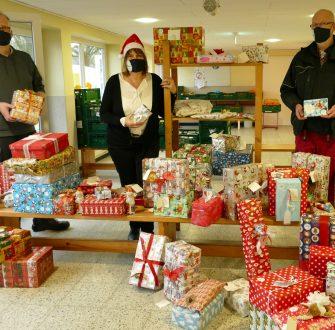 Loxstedt: Verwaltungsmitarbeitende vertreten den Weihnachtsmann